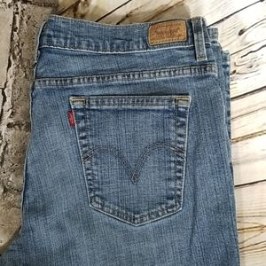 Levi's 550  Relaxed bootcut size 16 medoum